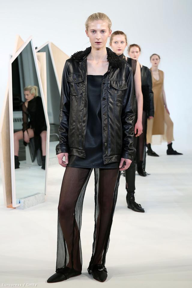 Ilyen áttetsző nadrágokban fogunk fagyoskodni a Collina Strada tervezője szerint is.