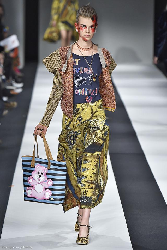 Vivienne Westwood mackós táskáját biztos sokat látjuk majd a street-style fotókon az ősszel.