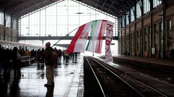 Orbán oroszbarátsága miatt nem jönnek ünnepelni a lengyelek