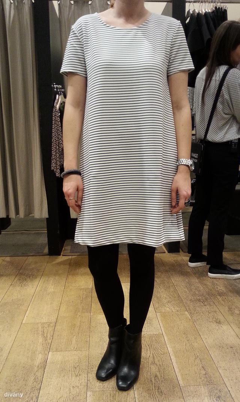 Mango: vékony csíkos fekete-fehér ruha. Ha eddig hiányzott volna ruhatárából, most megveheti 9995 Ft-ért.