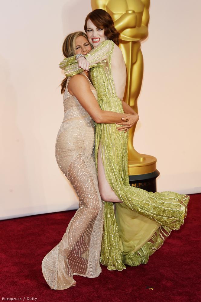 Cukiskodás is volt az Oscaron - Jennifer Aniston Emma Stone-t emelgette.
