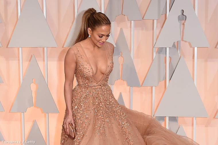 Jennifer Lopez az Oscar-gálán február 22-én