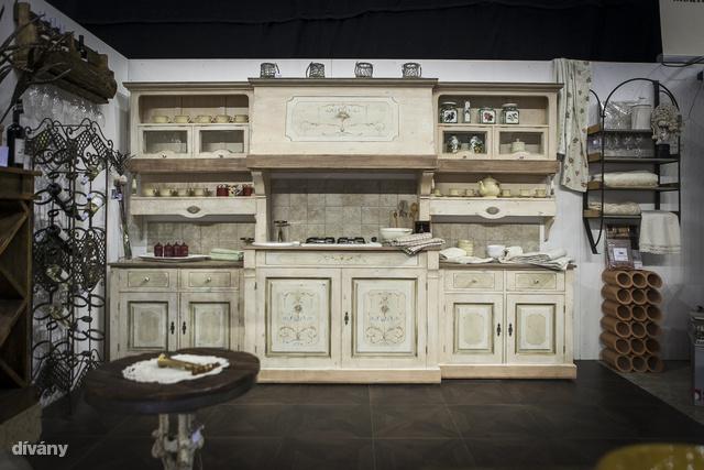 Na és akkor most térjünk ki a rusztikus konyhákra. Vidéki kúriákban biztosan jól mutat.
