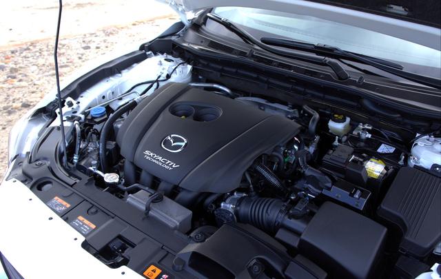 192 lóerős, és 256 newtonméter a nyomatéka a 2,5 literes Skyactiv-G motornak. Nem is ez a legfurcsább, hanem, hogy csak négyhengeres és nincs rajta turbó