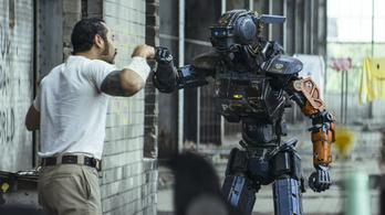 Neill, a robot lejátssza a reppereidet
