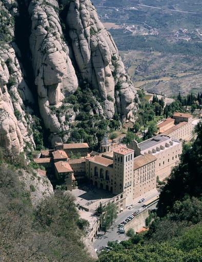 Kilátás a montserrati kolostorra