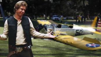 Harrison Ford landolásán röhög az internet