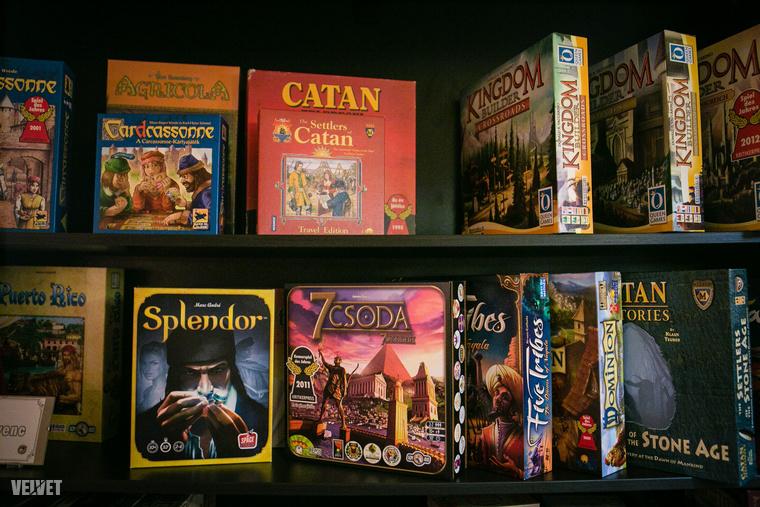 02-boardgamecafe-150307-IMG 9789