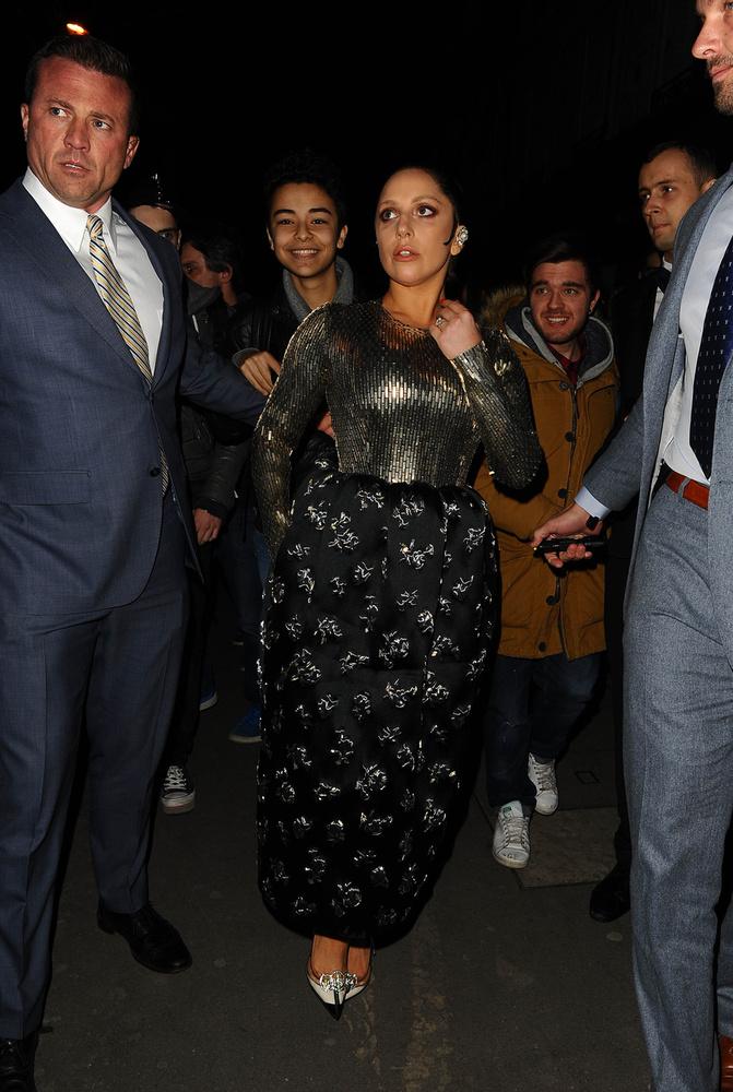 Nagy dolog történt a párizsi Club Haussmannban: együtt bulizott Lady Gaga és Kate Moss.