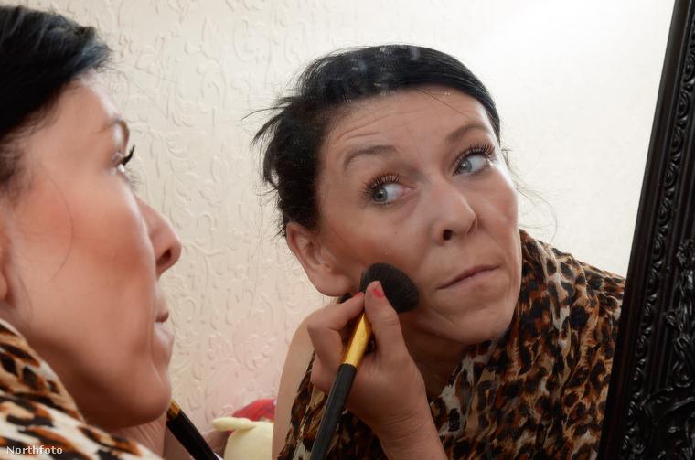 Tracey Gibson sminkelésének végre van értelme.
