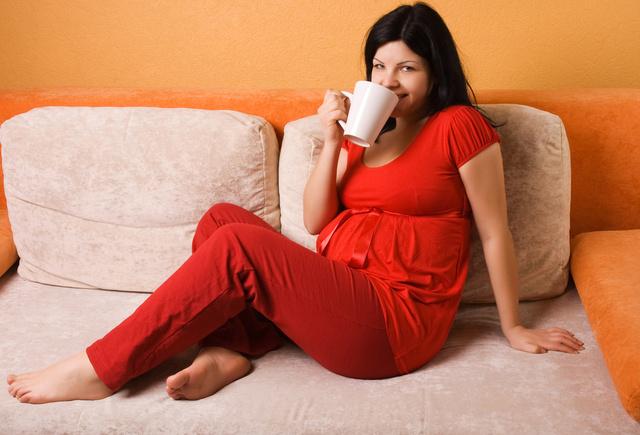 Terhesen sem kell feltétlenül lemondani a reggeli kávéról