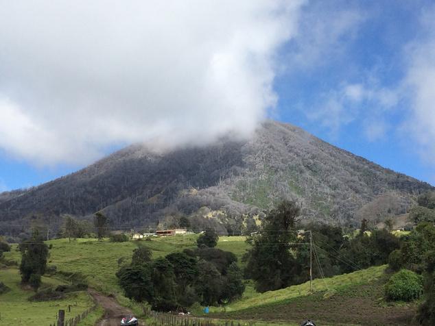 A vulkánokkal övezett ország tűzhányója legutóbb 1996-ban produkált hamuesőt