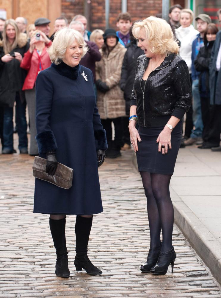Kamilla, a cornwalli hercegné 2010-ben látogatta meg ugyanazt a sorozatot amit Károly herceg.