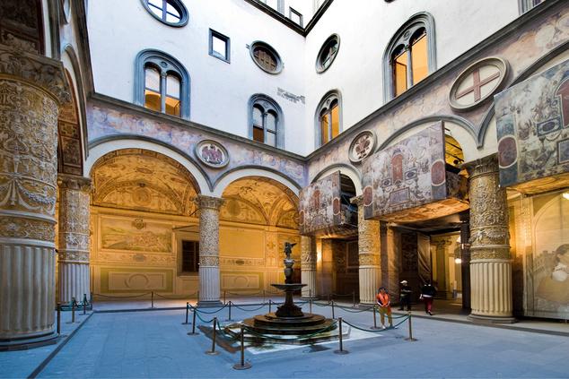 A Palazzo Vecchio udvara - focidrukkerek egy hétig ingyen léphetnek be