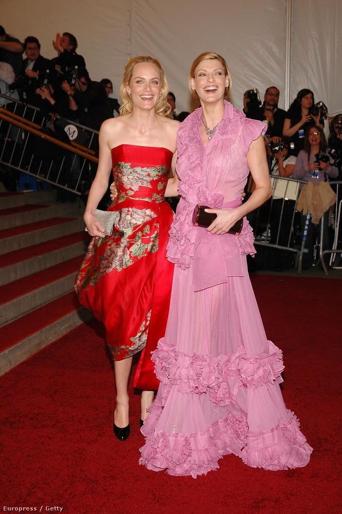 Felismeri őket? Amber Valletta és Linda Evangelista nem öltözött össze, de azért barátnők