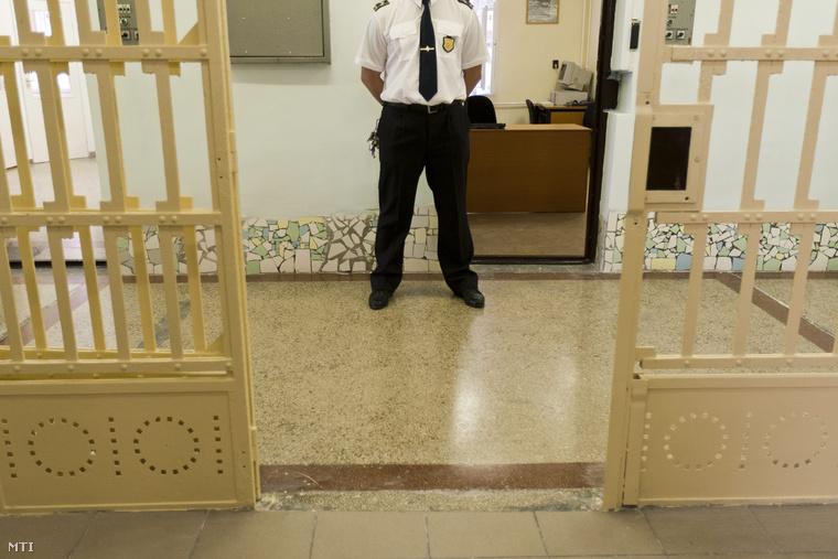 Folyosó a Fővárosi Büntetés-végrehajtási Intézet Gyorskocsi utcai objektumában.