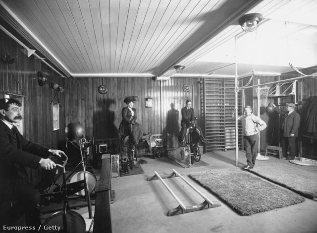 A Cunard Franconia nevű óceánjáróját 1910. június 23-án tették vízre, és már ennek is volt saját edzőterme.