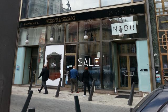 Nubu outlet a Szervita tér 3-ban.