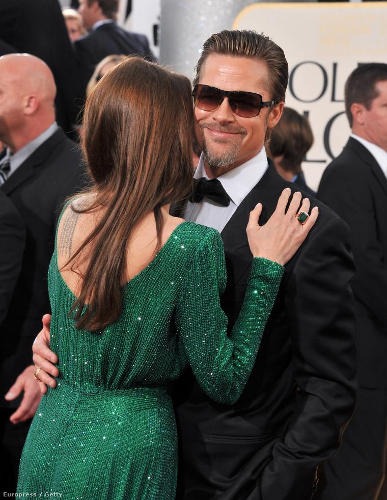 Angelina Jolie és Brad Pitt az utóbbi évtizedek egyik legszebb híres szerelmespárja. A ma (2015. január 11.) esti díjátadó örömére most a Golden Globe-os, közös megjelenéseiket mutatjuk meg. Szép lesz.