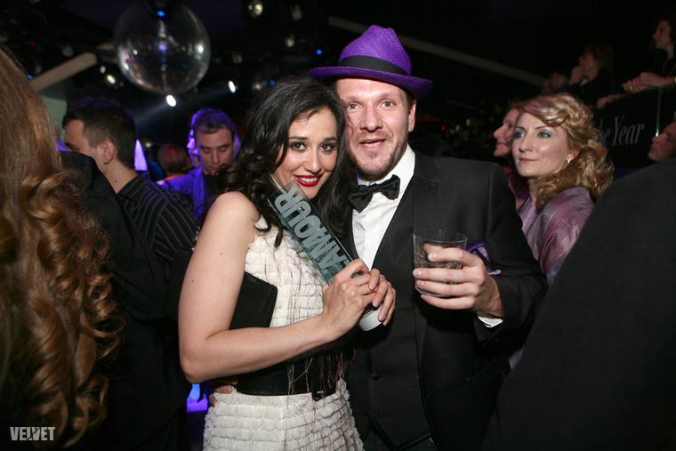 Gryllus Dorka örül a díjának 2011-ben, Lakatos Márk pedig csak úgy általában örül.