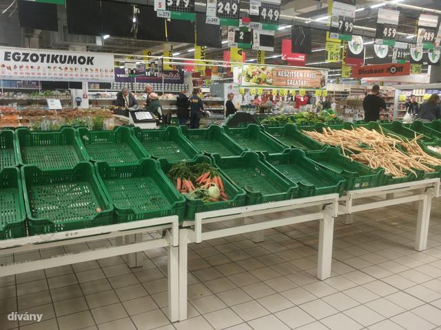 A Maglódi úti Auchanban a sárgarépák elfogytak.