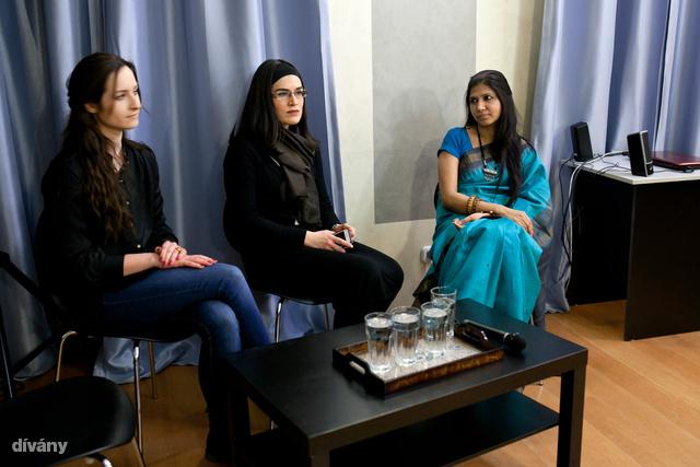 A meghívott vendégek: Simó Lili, Fucsh Judit és Dr. Rama Yadav.