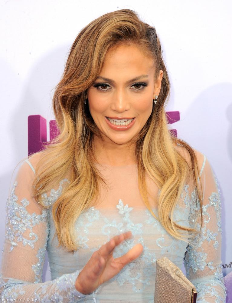 De előbb nézze meg Jennifer Lopez arcát, miközben így tartja a száját