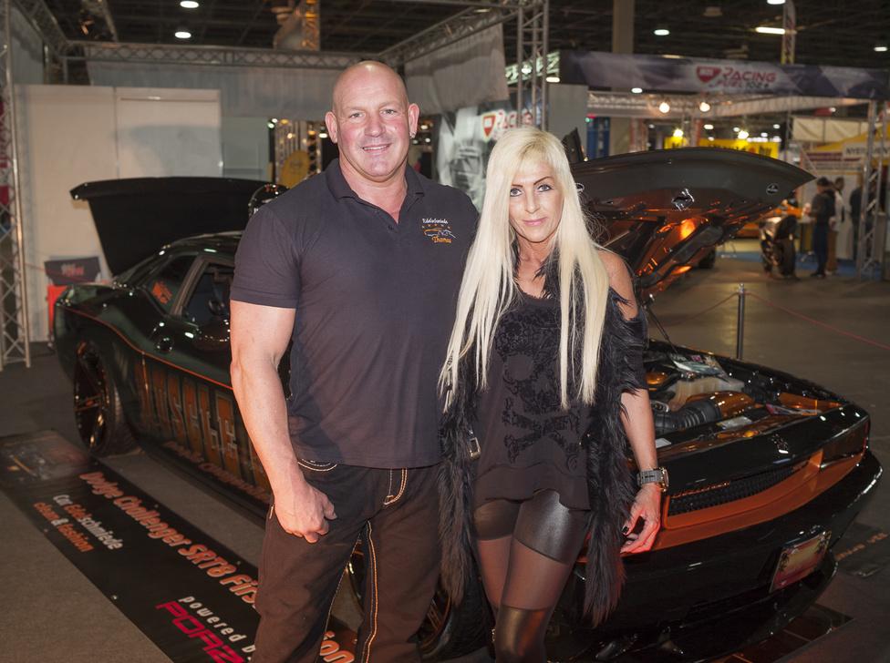 Thomas Backe és Kerstin Riedel / Németország, Velbert                                            Dodge Challenger                                             50.000 Euró