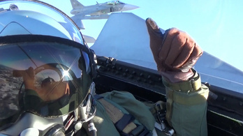 Rakétával és gépágyúval is jók a magyar pilóták