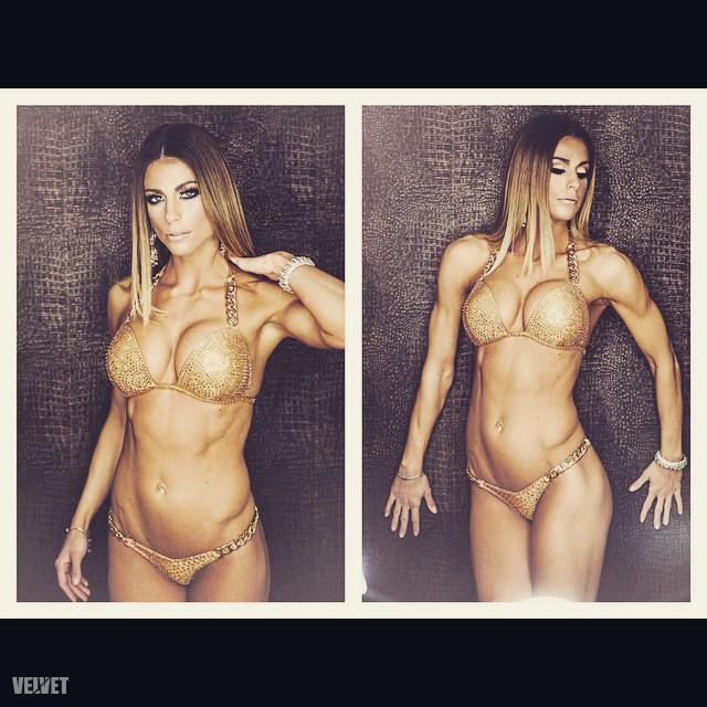 Mindenki nyugodjon meg, nemcsak edzés és autó lesz itt, mutatunk jó pár bikinis képet is a gyönyörű modellről.