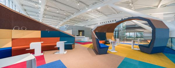 Nem kérdés, hogy  a várótermek számítanak a legkevésbé izgalmas helynek a repülőtereken. Erre a tényre cáfolt rá nemrég az építészettel és bútor tervezéssel foglalkozó Nuca Studio két dizájnere, Robert Marin és Ionel Pasci.