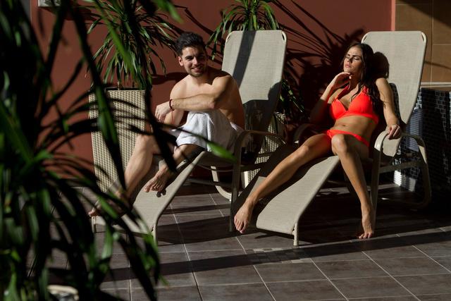 Egy hivatalos fotó a wellness részleg rendeltetésszerű használatáról.