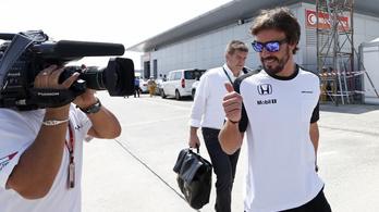 Alonso: Mindenre emlékszem, beállt a kormány, emiatt mentem falnak