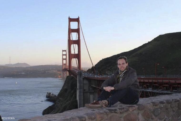 Lubitz Facebook-profilképén San Franciscóban pózolt a Golden Gate híd előtt.