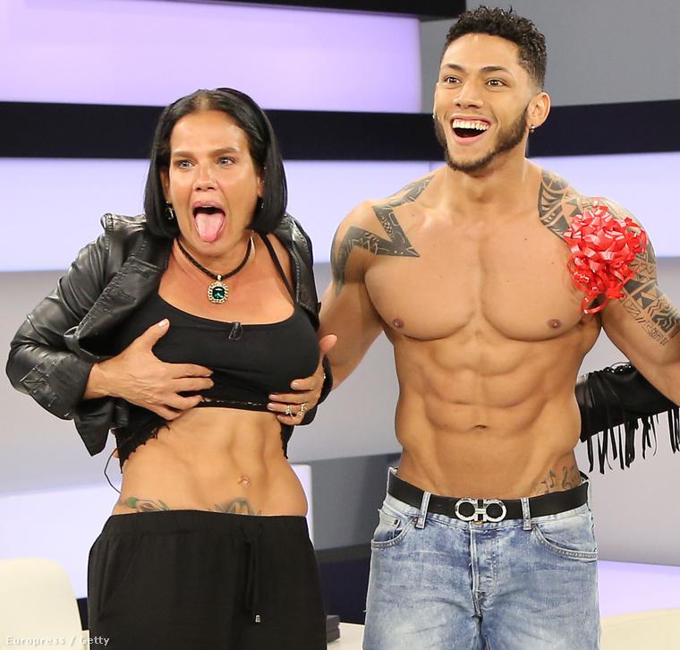 Niurka Marcos, egy modell és Charytín Goyco énekesnő/műsorvezető