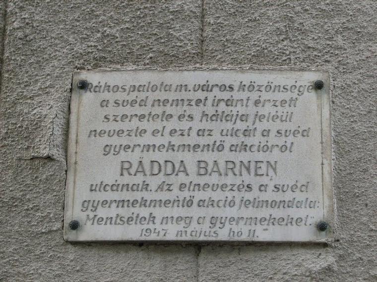 Emléktábla a Rädde Barnen utcában