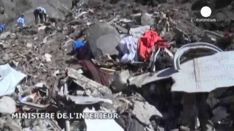 Egy videón közelről is láthatók a Germanwings-gép roncsai