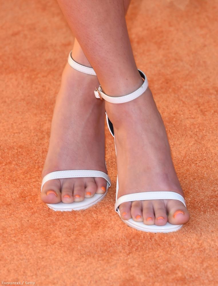 Szóval, ha túl kicsi cipő, a lábujjak még le is folyhatnak.