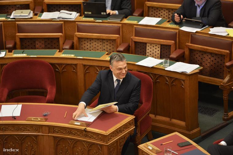 Orbán Viktor az Országgyűlés plenáris ülésén 2015. március 30-án.