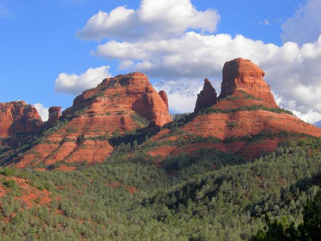 A sedonai kanyonok és sziklák vonzzák a New Age-mozgalom híveit, és talán az ufókat is (Arizona)