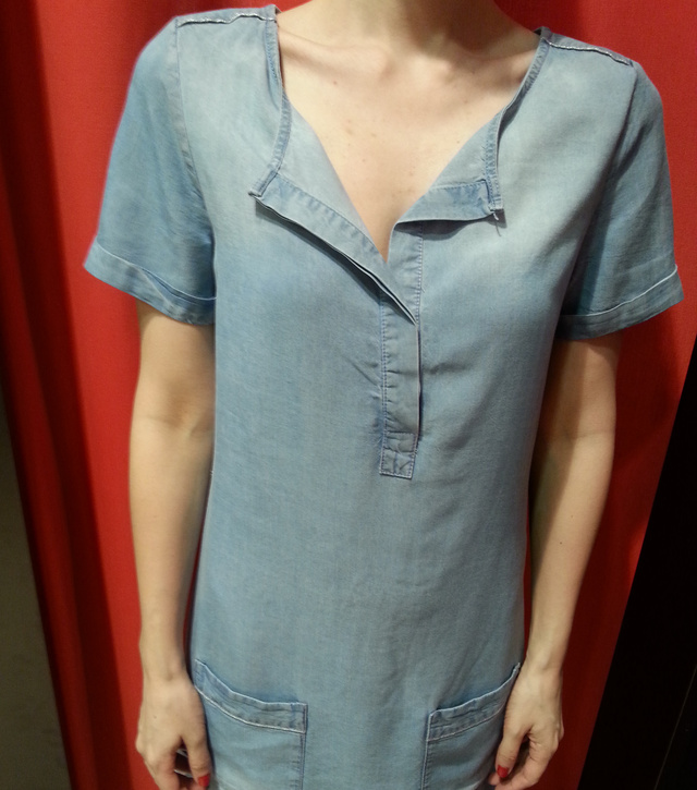 Promod: egy elég formátlan ingruha 10995 forintba kerül.