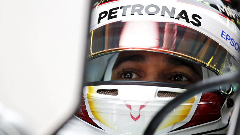 Hamilton Räikkönen ellen, Rosberg sehol