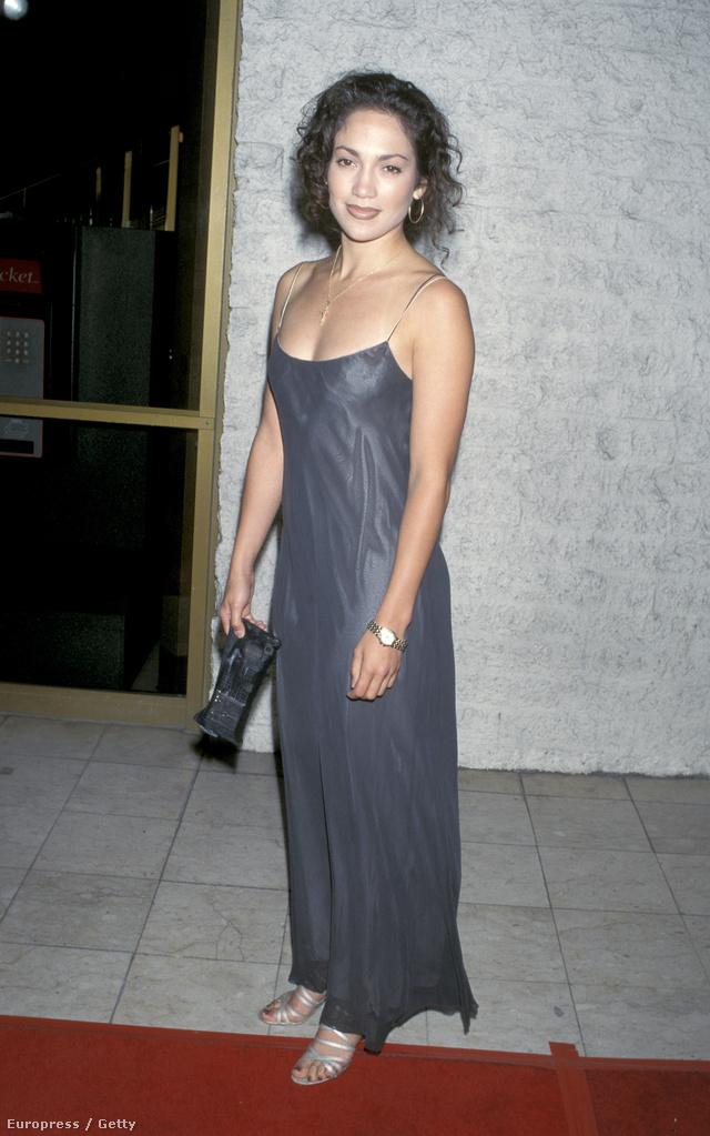 Jennifer Lopez, 1995: akkor még divat volt a szájkontúr.
