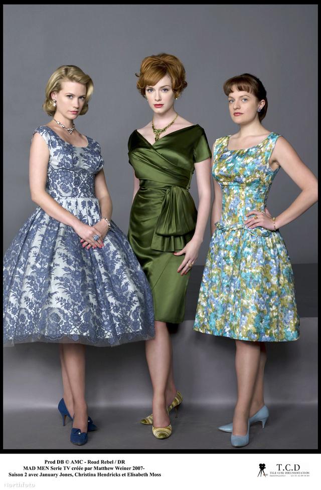 A stylist szerint a virágmintás ruhák sosem kopnak ki a divatból.