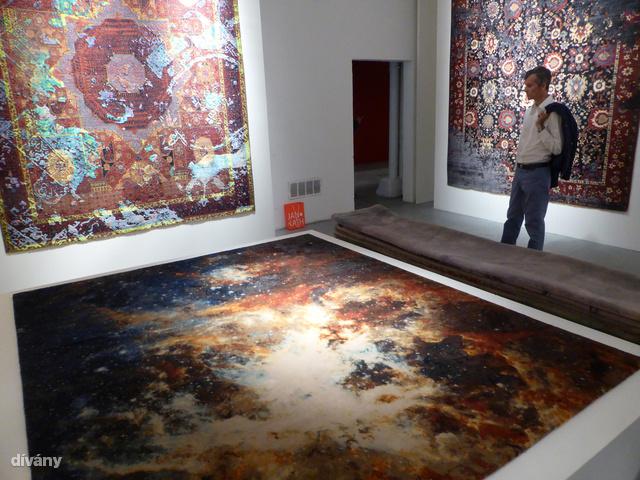 3. Ezeket a sírnivalóan gyönyörű szőnyegeket egy német cég gyártja Katmanduban. Kézzel készül mindegyik