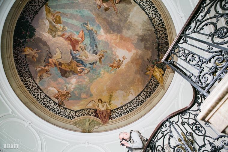 A Lotz-freskó közelebbről