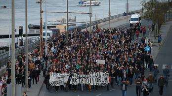 Sarokba szorítanák az egyetemisták a kormányt