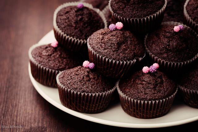 stockfresh 1087384 chocolate-muffins sizeM