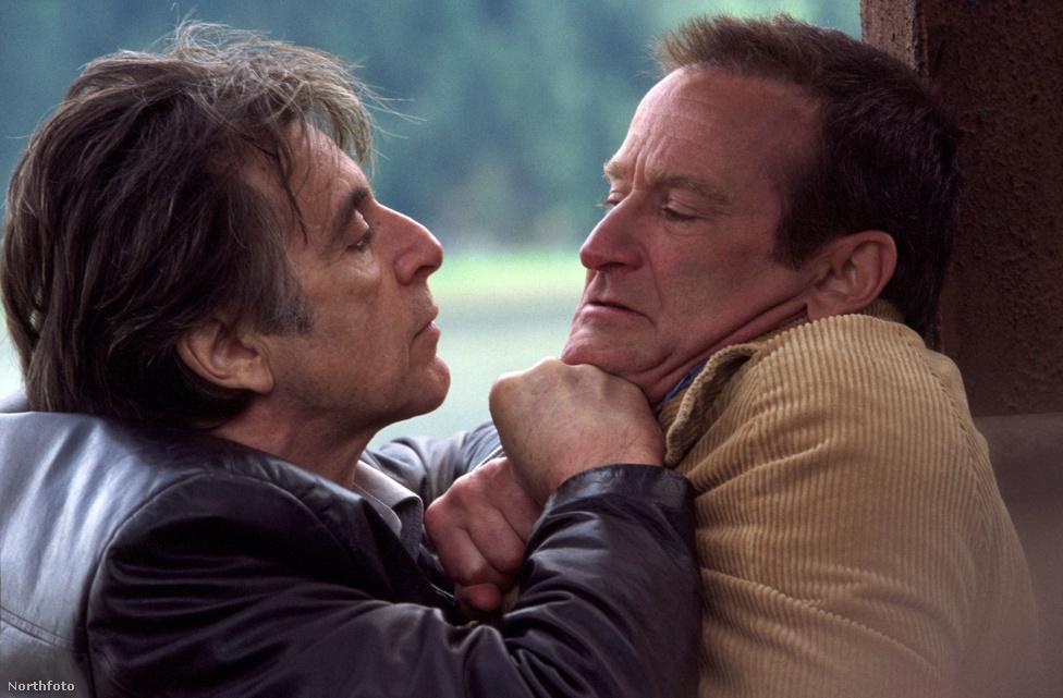 Az ezredforduló után Pacino ismét emlékezetes zsaruszerepet vállalt Christopher Nolan Álmatlanságában. A rendezőnek az 51 díjat besöprő Memento után kezdett el meredeken felfelé ívelni a karrierje, így megengedhette magának, hogy az újabb fullasztó atmoszférájú krimijét világsztárokkal forgassa le. Az álmatlanság mellett a társa lelövésétől is szenvedő, morózus nyomozót Al Pacino alakította a filmben, míg az üldözött gyilkos szerepét meglepő módon a korábban szinte csak vígjátékokból ismert Robin Williams kapta meg, zseniálisan bemutatva a gonosz oldalát is. Filmtörténeti érdekesség: az alaszkai hómezőkön elkeseredetten nyomozó, őrületbe hajszolt zsarut eredetileg Harrison Ford alakította volna.