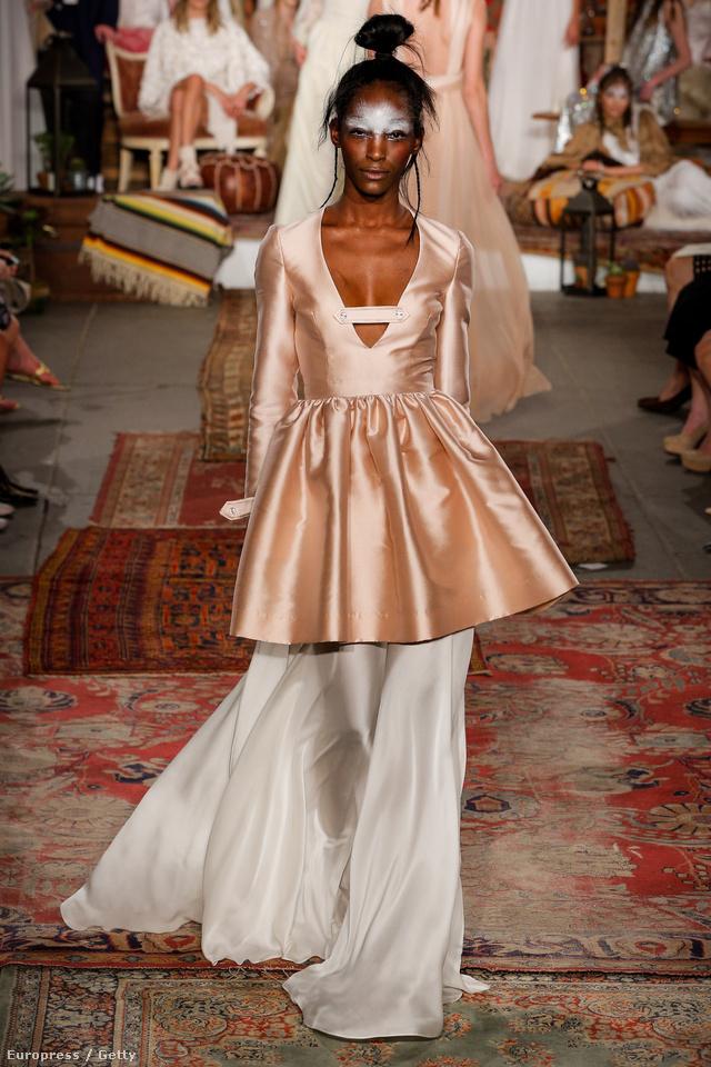 A peplum is felbukkant a Houghton menyasszonyi ruha kollekciójában.